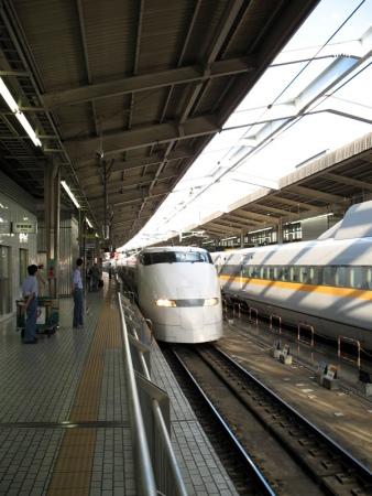 tokyo2_shinkansen-797591